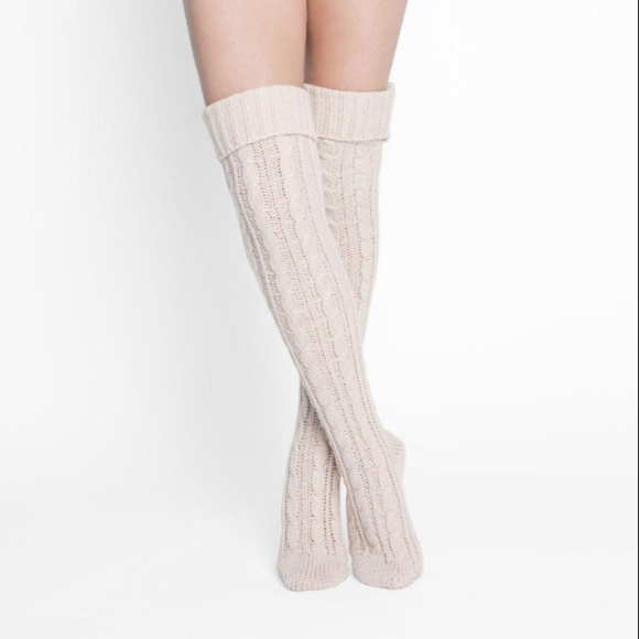 Muk Luks Women/'s Black Cable Knit Over the Knee Socks